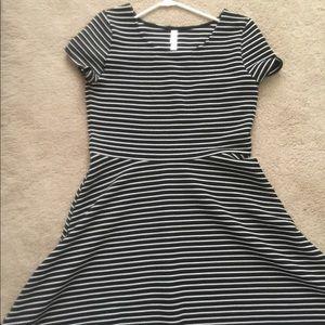 striped XL black-n-white dress